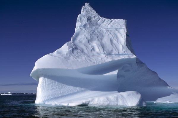 Un gran iceberg
