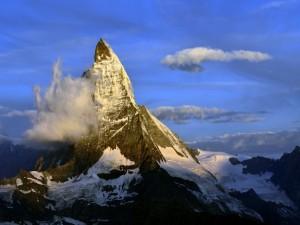 Postal: Nubes en el monte Cervino