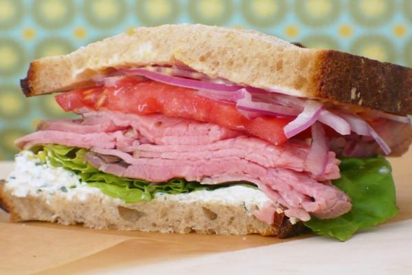 Sándwich de jamón y mayonesa