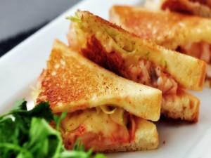 Postal: Triángulos de sándwich calientes