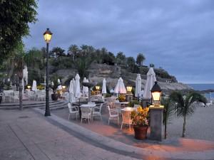 Postal: Playa de El Duque al caer la noche (Costa Adeje, Tenerife)