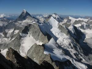 Nieve en el espectacular monte Cervino