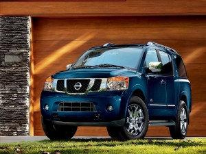 Postal: Fascinante Nissan color azul metálico
