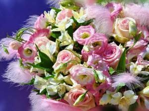 Postal: Ramo de aromáticas y espléndidas flores