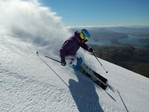 Postal: Practicando esquí en un fantástico lugar