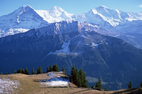 Admirando las montañas