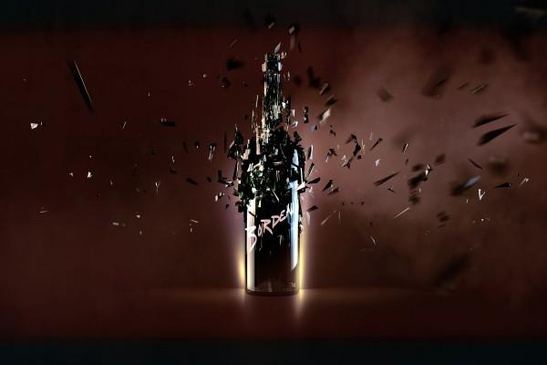 Fragmentos de una botella de cristal