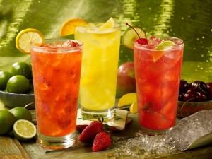 Refrescantes bebidas de frutas