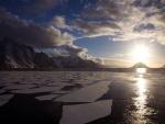 Sol de medianoche en la Antártida