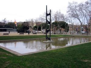 Postal: Evocación del Trabajo, de Eudald Serra (Plaza Carles Buïgas, Barcelona)