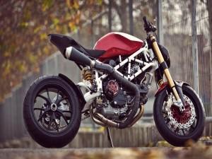 Postal: Una moto Ducati Cafe Racer