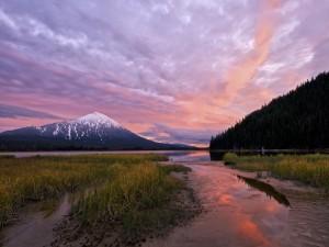 Emocionante puesta de sol en Oregón (Estados Unidos)