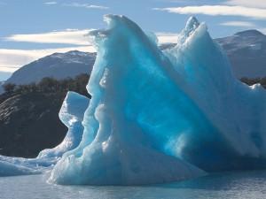 Témpanos (iceberg) en el lago Brazo Norte (Argentina)