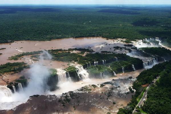 Cataratas del Iguazú en la Provincia de Misiones ( Argentina )