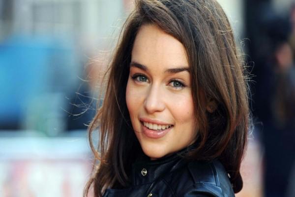 La guapa actriz Emilia Clarke