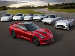 "Varias generaciones de elegantes autos ""Chevrolet Corvette"""