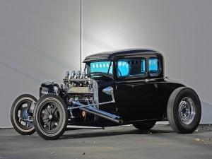 Un coche clásico Hot rod