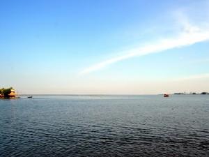 Lago Vembanad ( Kuttanad, India)