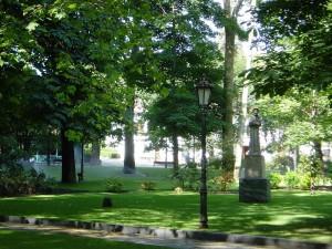 Postal: Estatua de San Francisco de Asís, en el Campo de San Francisco (Oviedo)
