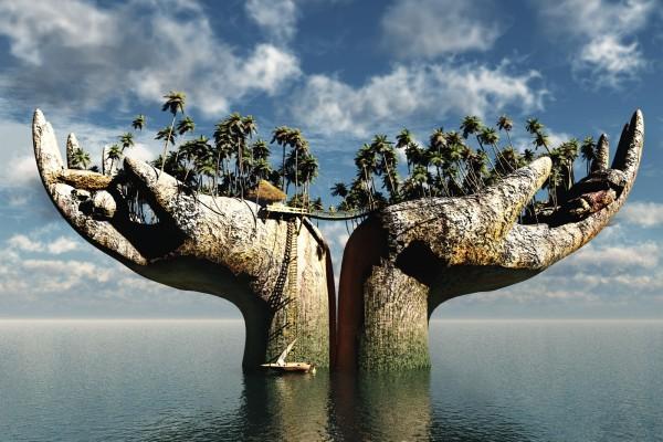Dos grandes manos en el mar pobladas de palmeras
