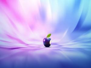 Una brillante manzana mordida