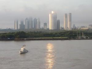 Amanecer en Puerto Madero, Río de la Plata (Argentina)
