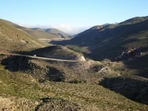 Carretera entre montañas (Tucumán, Argentina)