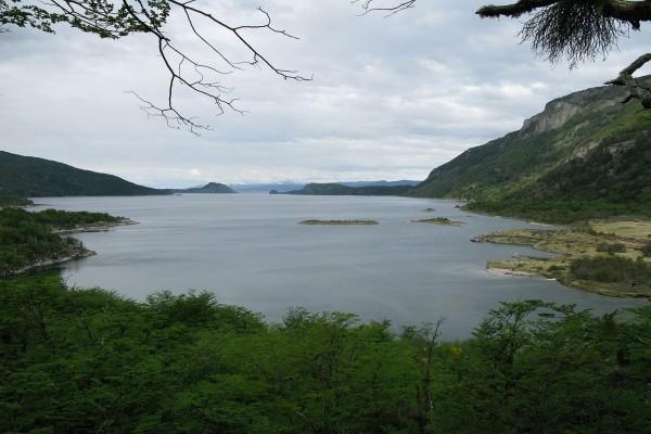 Bahía Lapataia en el Parque Nacional de Tierra del Fuego (Argentina)
