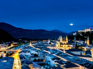 Postal: Noche en Salzburgo, Austria