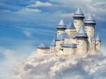 Bello castillo entre las nubes