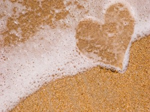 Muestra de amor en la playa