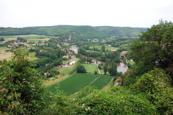 El río Lot en un valle (Francia)