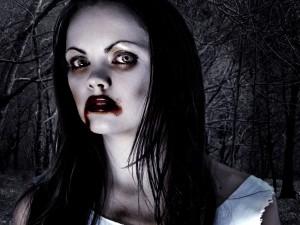 Postal: Una vampiresa en el bosque