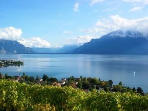 Población junto a un lago (Suiza)