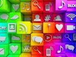 Cubos en 3D con iconos de redes sociales