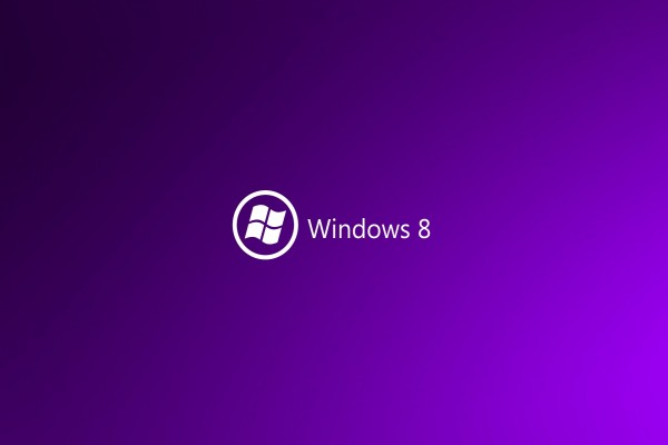 Windows 8 en fondo morado