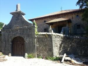 Postal: Antigua casa de piedra