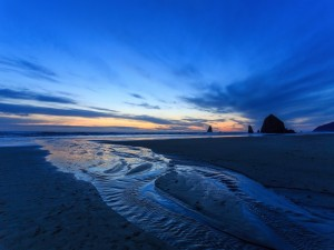 Postal: Sensacional amanecer en la playa