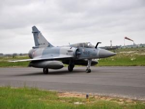 Un Dassault Mirage 2000-5F en la pista