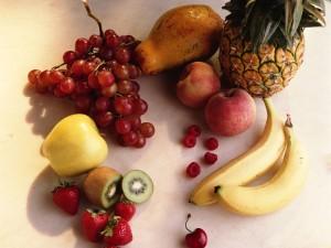Postal: Piezas de frutas variadas