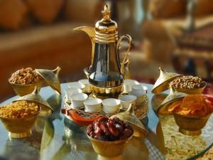 Té, dátiles y frutos secos