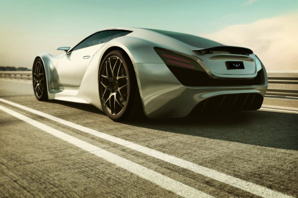 Bentley Super Monaco en una carretera