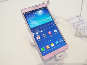 Un Galaxy Note 3 de color rosa