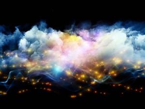 Luces entre las nubes de colores
