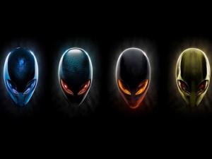 Postal: Cuatro caras de Alienware