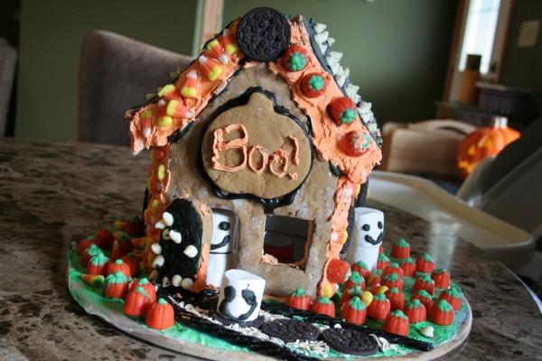Casa de jengibre para Halloween