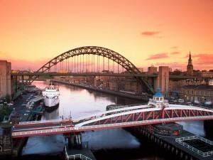 Postal: Puentes sobre el río Tyne (Newcastle upon Tyne, Reino Unido)