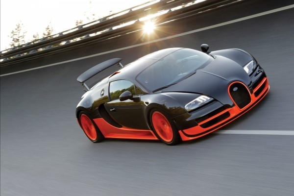 Bugatti pilotado en una pista