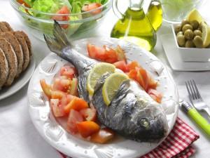 Un pescado mediterráneo al horno