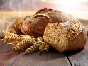 Pan de trigo artesanal con semillas